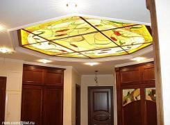 отделка стен и потолка входного холла - витраж на потолке