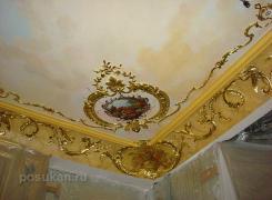 Карниз из мрамора оселкового, лепного декора из гипса с росписью, патинирование