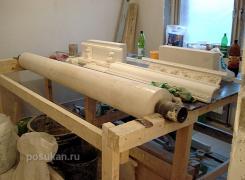 Здесь мы делаем колонны из оселкового мрамора, готовим формы из гипса