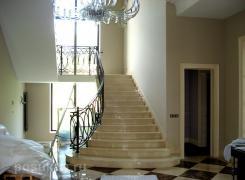 Лестница мрамор, холл 1-ый этаж, вид А